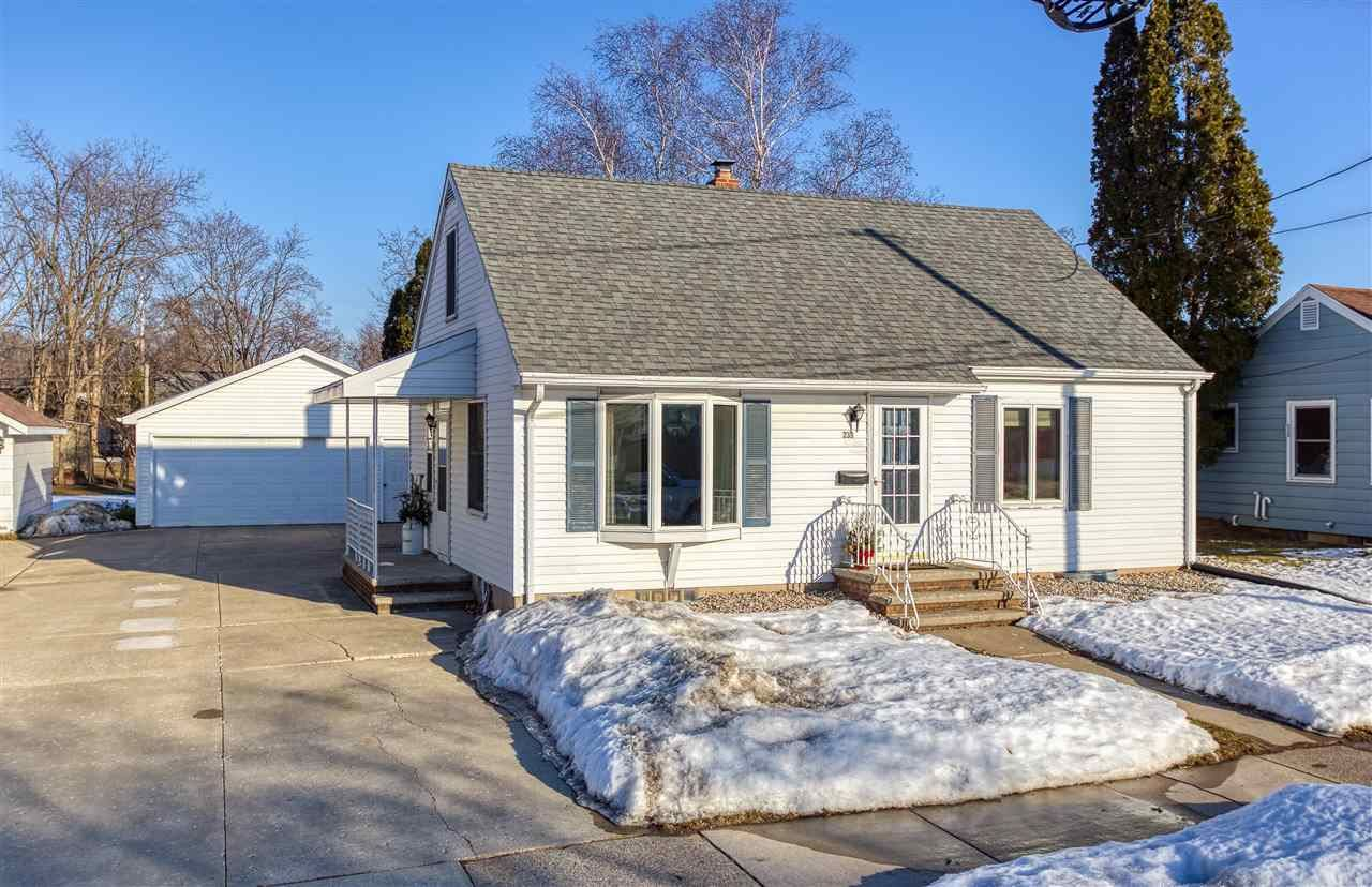 239 S LINCOLN Street, Kimberly, WI 54136 - MLS#: 50236341