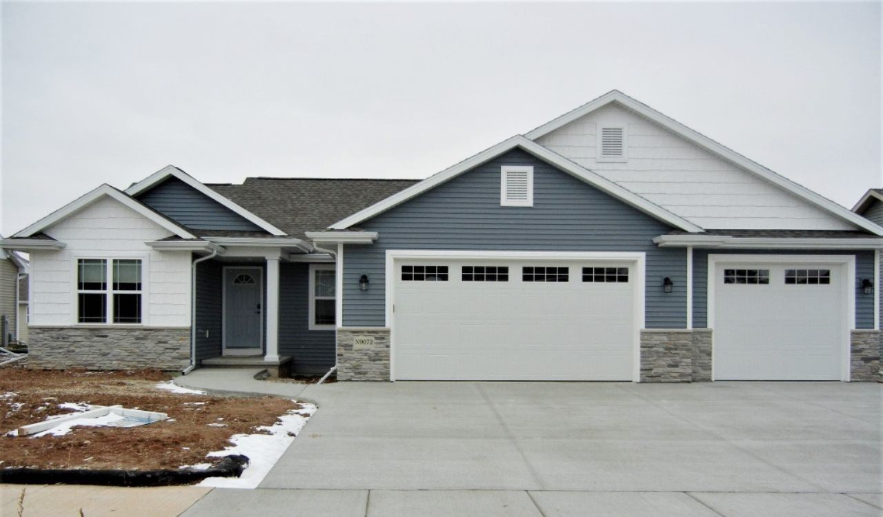 300 SPICEWOOD Court, Wrightstown, WI 54180 - MLS#: 50234343