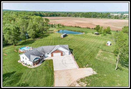 Photo of 640 SPURR Road, NEW LONDON, WI 54961 (MLS # 50199346)