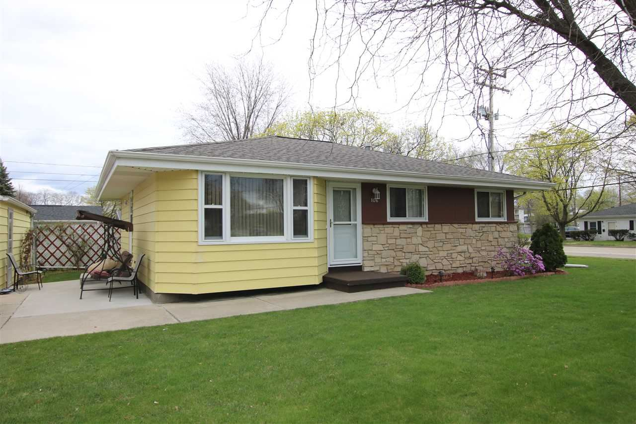 106 N EAGLE Street, Oshkosh, WI 54902 - MLS#: 50238350