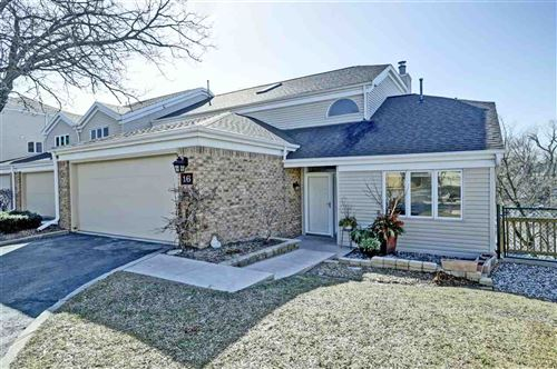 Photo of 16 LAWRENCE Court, APPLETON, WI 54911 (MLS # 50219354)