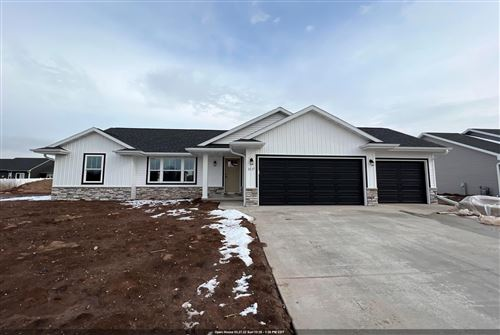 Photo of 2517 LAWRENCE Drive, DE PERE, WI 54115 (MLS # 50248354)