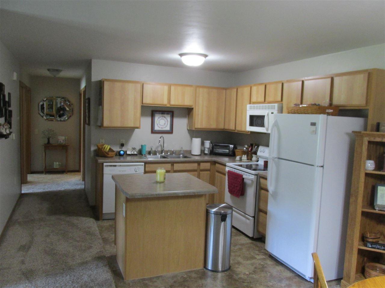 Photo of 3321 N CASALOMA Drive #61, APPLETON, WI 54913 (MLS # 50242355)