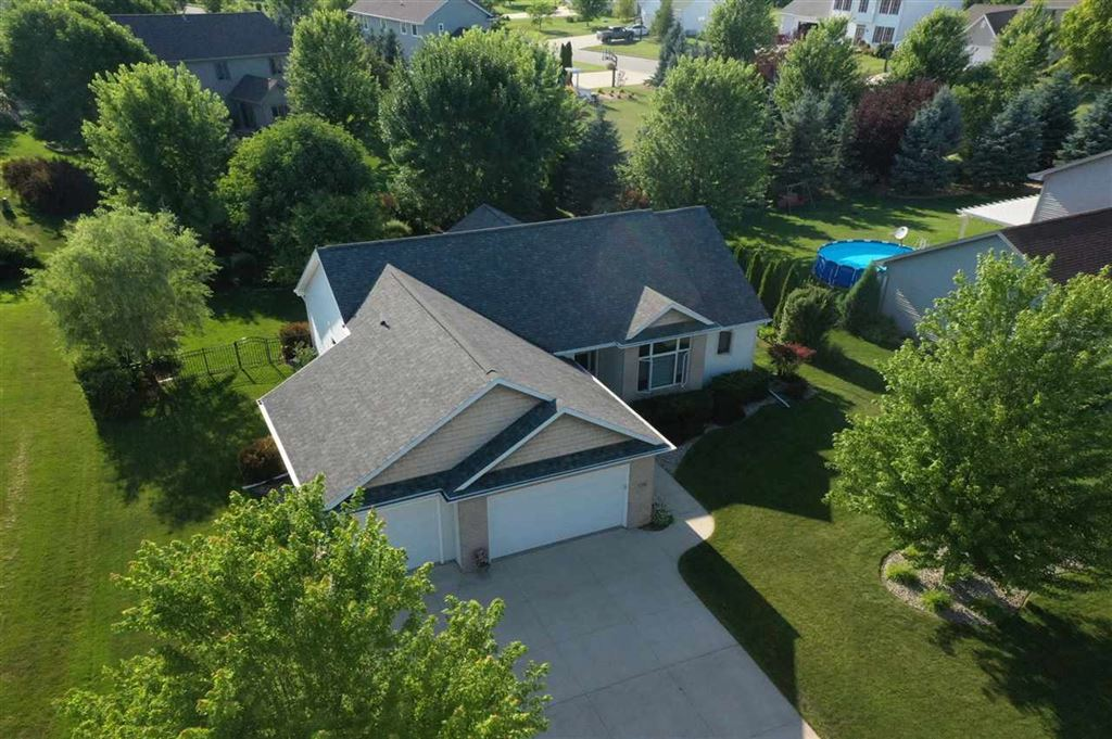 Photo for N7989 CREEKSIDE Drive, SHERWOOD, WI 54169 (MLS # 50202366)