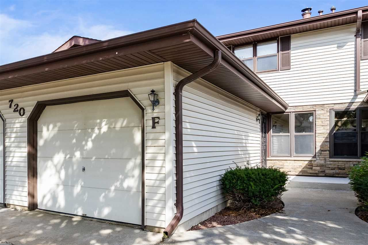 Photo for 720 S WESTHAVEN Place #F, APPLETON, WI 54914 (MLS # 50211373)