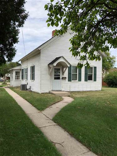 Photo of 2015 UNIVERSITY Avenue, GREEN BAY, WI 54302 (MLS # 50187378)
