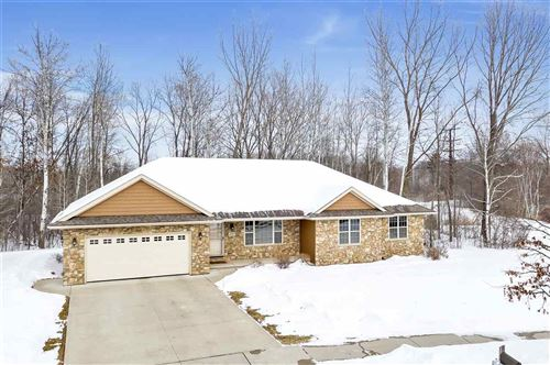 Photo of 2240 SOUTHERN CROSS Road, GREEN BAY, WI 54303 (MLS # 50217382)