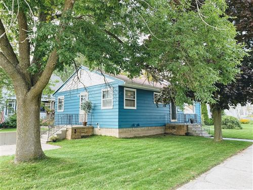 Photo of 1004 BUCHHOLZ Street, TWO RIVERS, WI 54241 (MLS # 50248391)