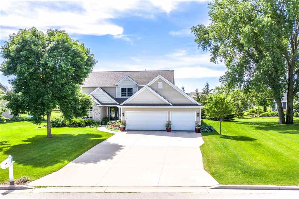 Photo for W5285 WATERVIEW Drive, SHERWOOD, WI 54169 (MLS # 50207391)