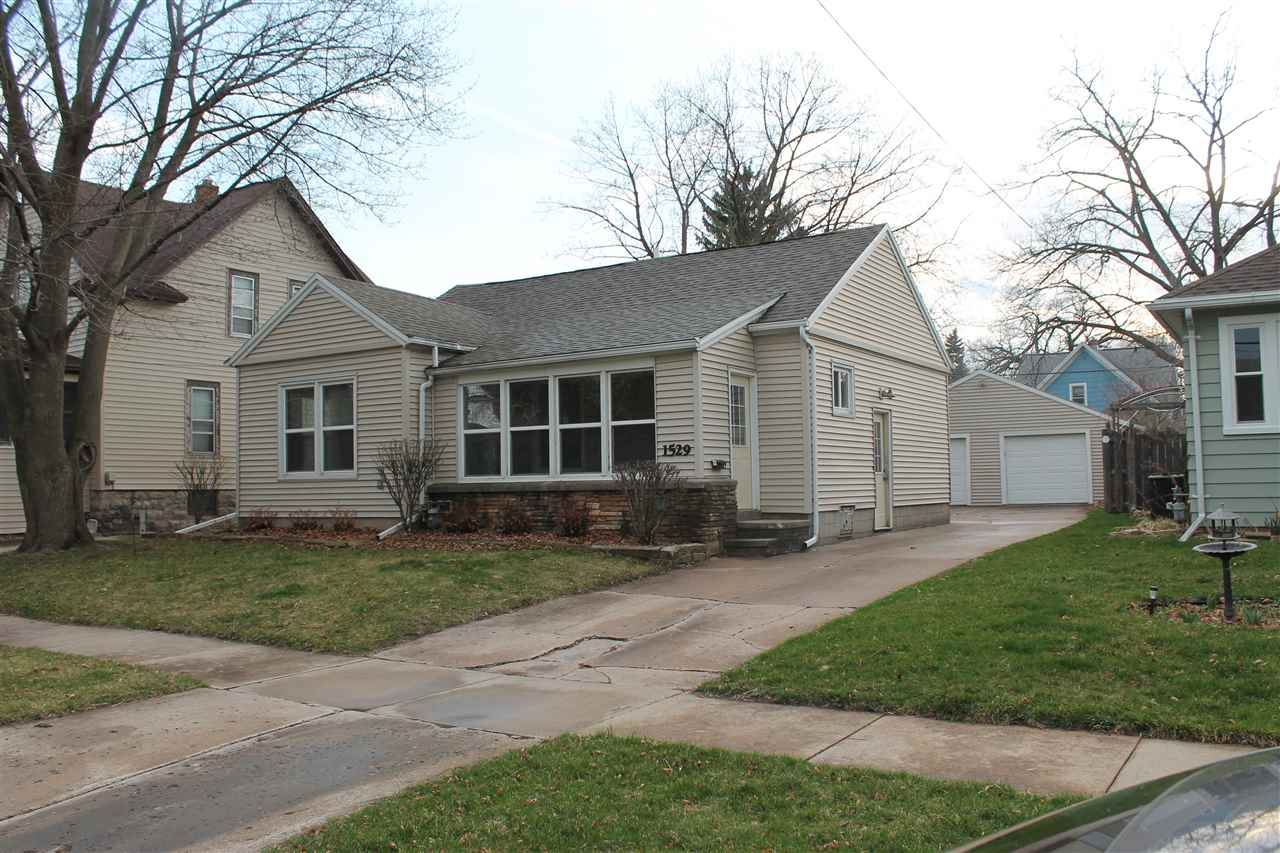 1529 JEFFERSON Street, Oshkosh, WI 54901 - MLS#: 50238397