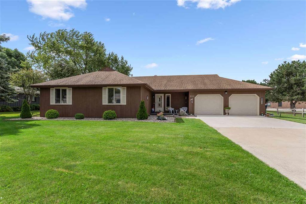 Photo for 2211 W CAPITOL Drive, APPLETON, WI 54914 (MLS # 50208398)