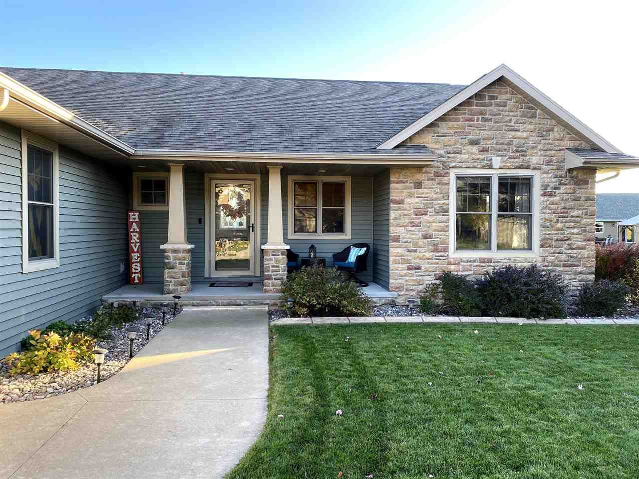 Photo of W4841 GUERNSEY Drive, SHERWOOD, WI 54169 (MLS # 50231398)