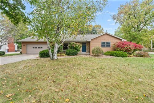 Tiny photo for 1605 S HILLCREST Drive, APPLETON, WI 54914 (MLS # 50249401)