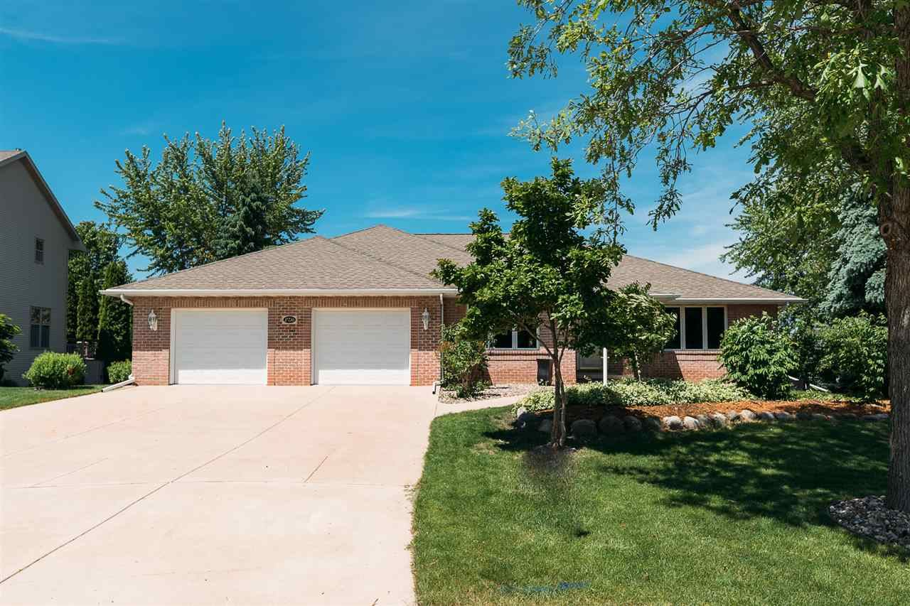 2736 E CARRERA Court, Green Bay, WI 54311 - MLS#: 50223401