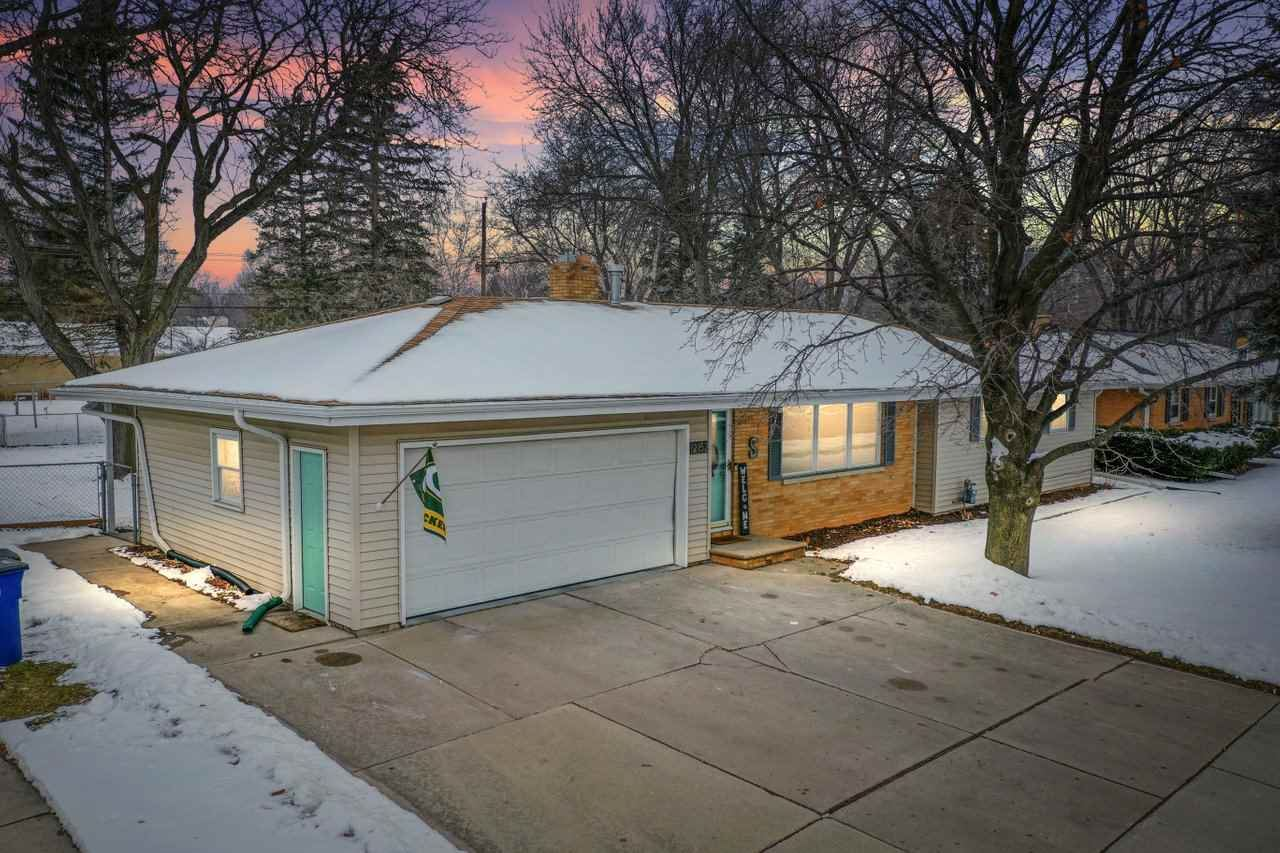 2152 S ONEIDA Street, Green Bay, WI 54304 - MLS#: 50234404