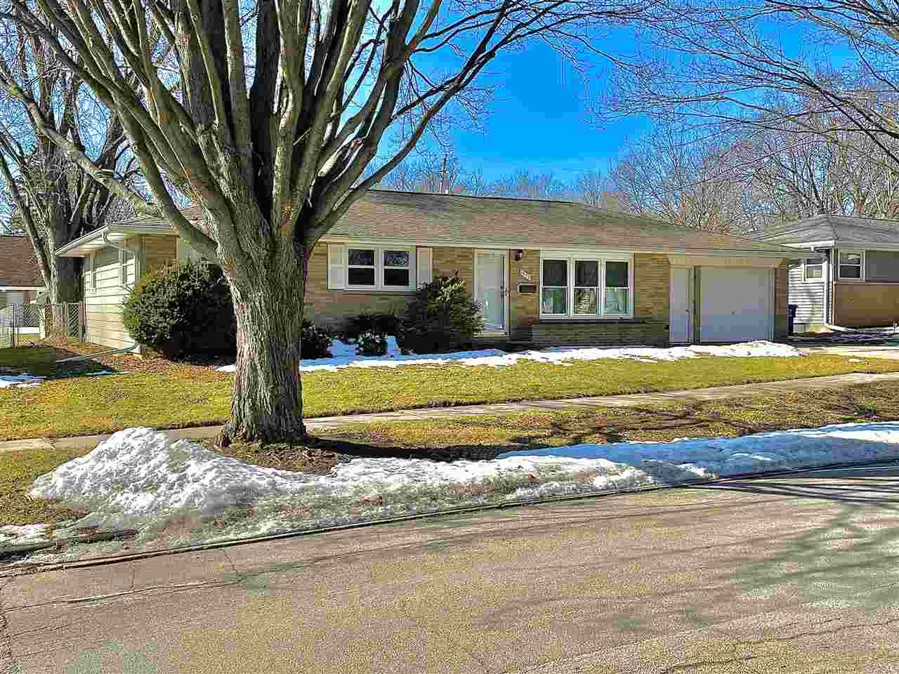 1357 SERVAIS Street, Green Bay, WI 54304 - MLS#: 50236404