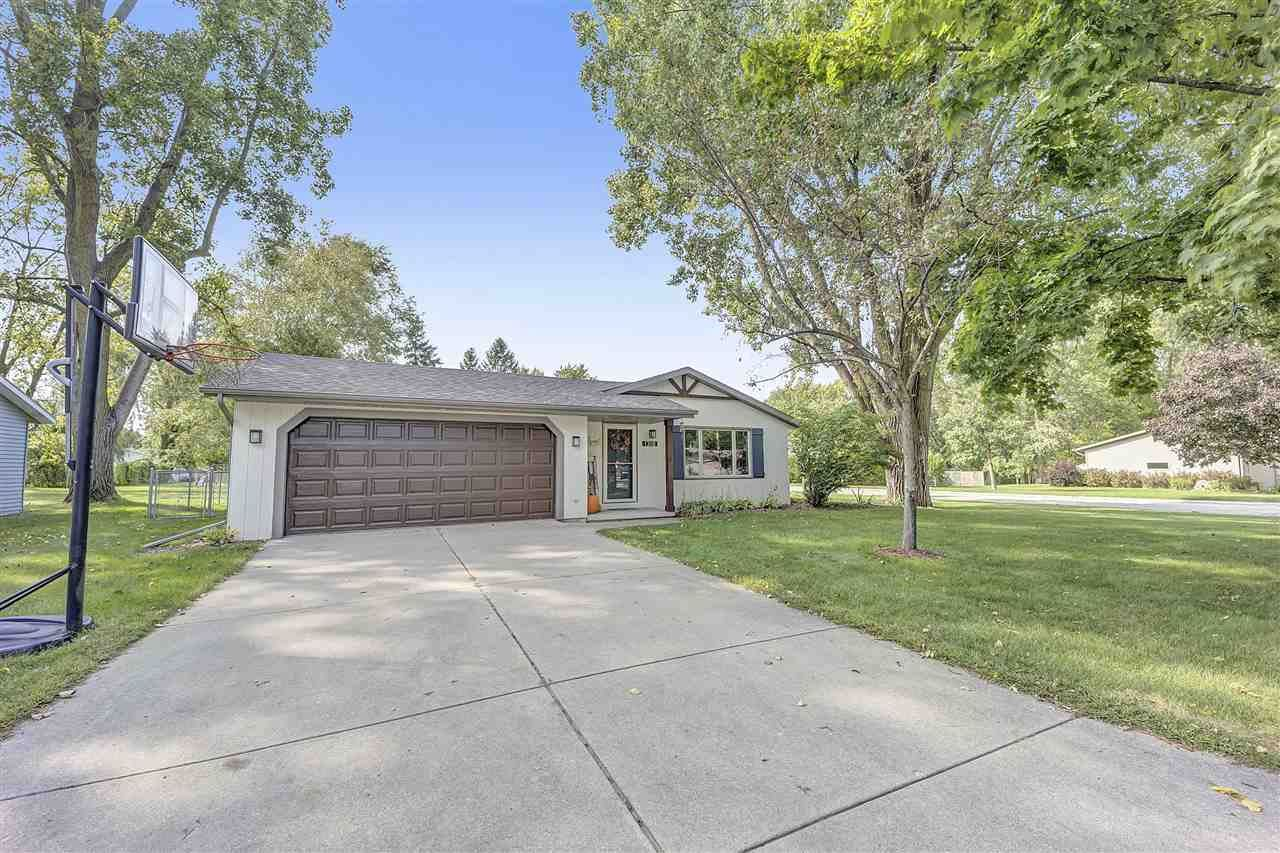 1318 SANDHILL Drive, Green Bay, WI 54313 - MLS#: 50229410
