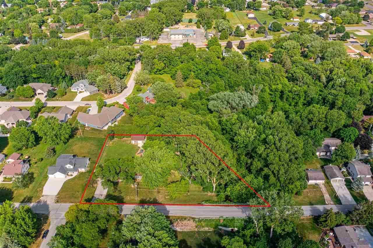 Photo of N198 ROGERS Lane, APPLETON, WI 54915 (MLS # 50242410)