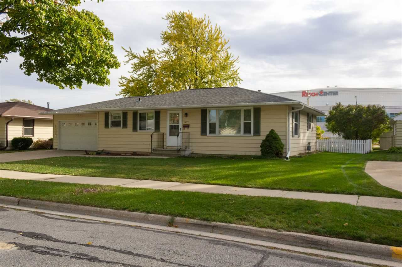 1099 SHADOW Lane, Green Bay, WI 54304 - MLS#: 50231423