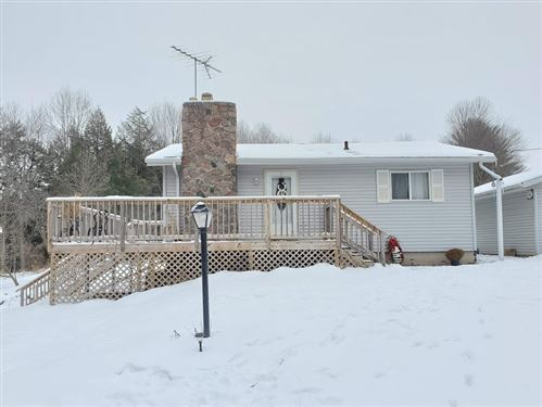 Photo of N4526 RIVERVIEW Road, SHAWANO, WI 54166 (MLS # 50228428)
