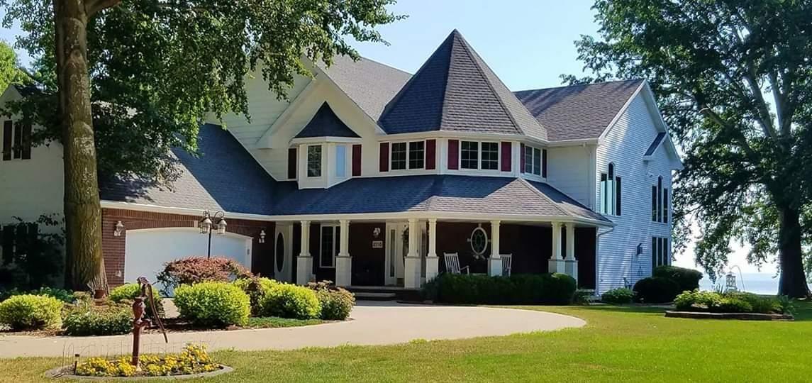 2710 SHOREWOOD Drive, Oshkosh, WI 54901 - MLS#: 50224435