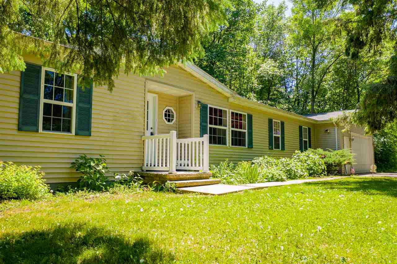 Photo for W5045 GOLF COURSE Road, SHERWOOD, WI 54169 (MLS # 50223437)