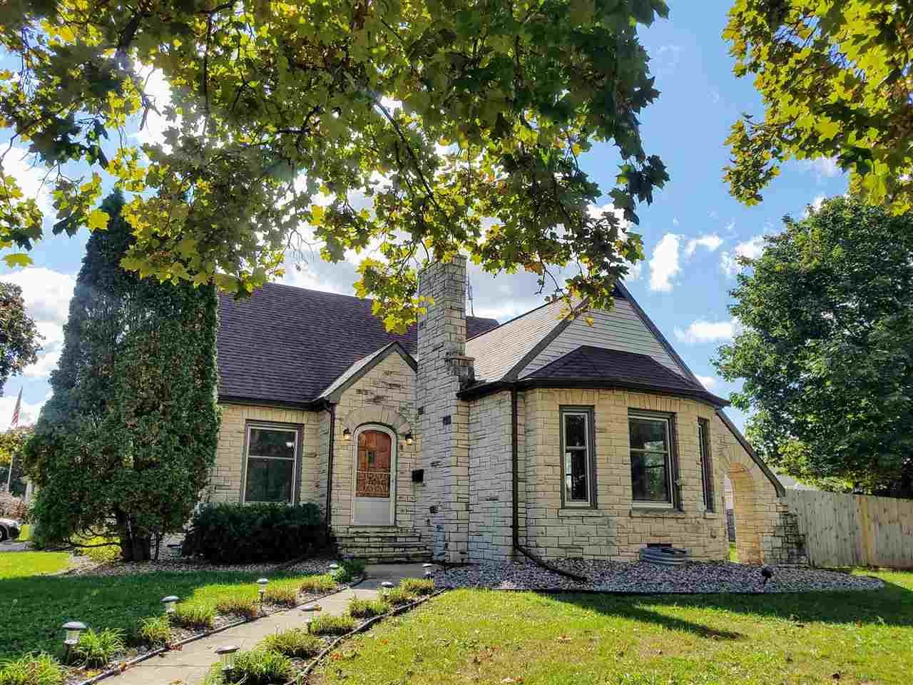 700 W BEACON Avenue, New London, WI 54961 - MLS#: 50227441