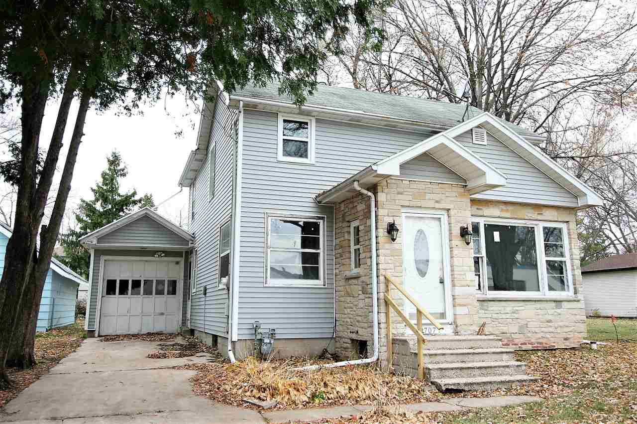 1707 ASHLAND Street, Oshkosh, WI 54901 - MLS#: 50232456