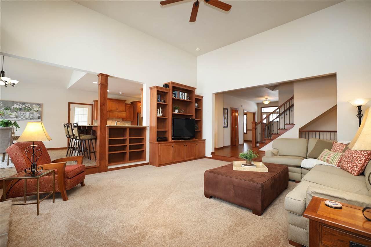 Photo of 5750 N SUMMERLAND Drive, APPLETON, WI 54913 (MLS # 50234469)