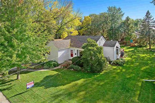 Photo of 951 VICTORY Boulevard, GREEN BAY, WI 54304 (MLS # 50212476)