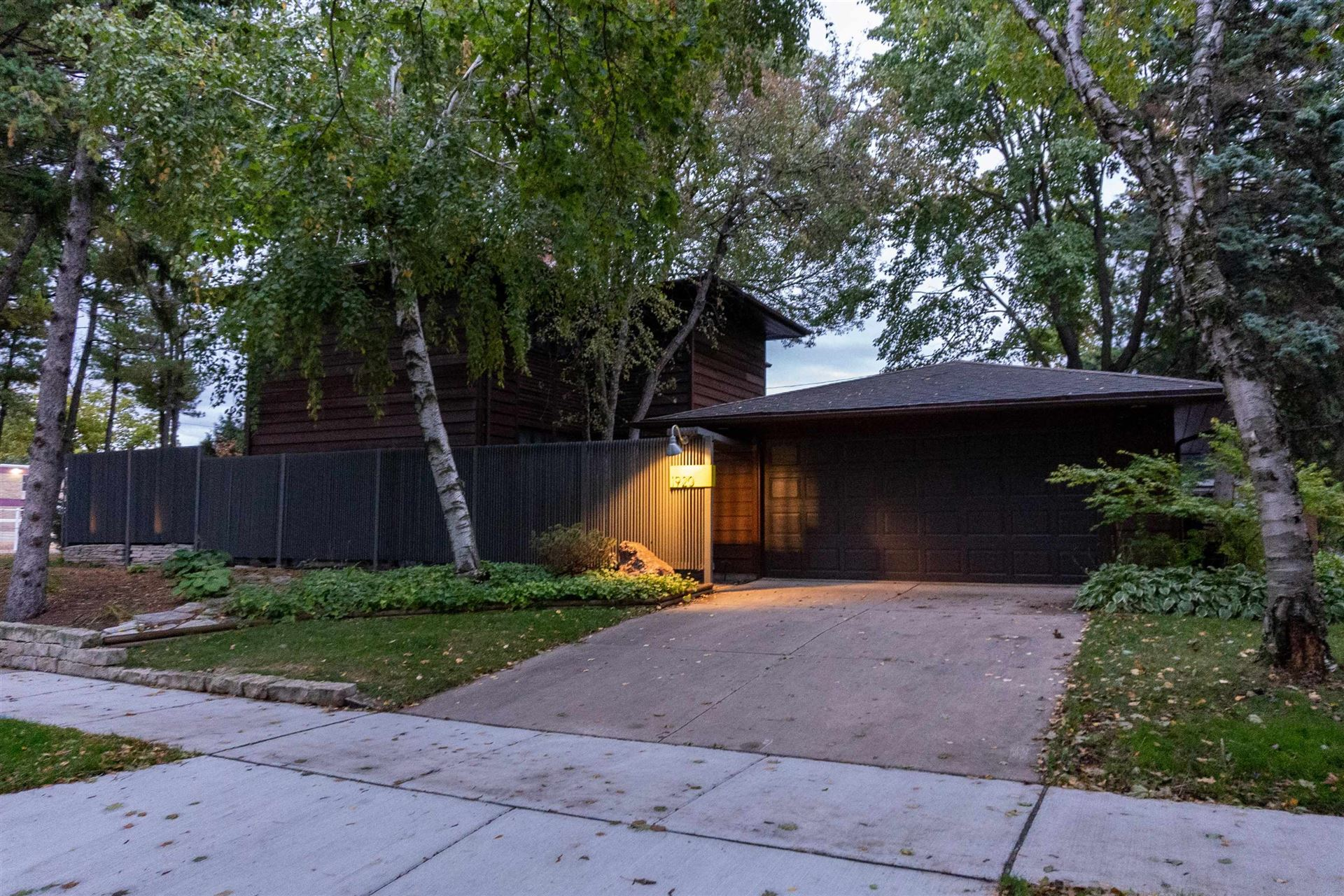 Photo for 1920 N OUTAGAMIE Street, APPLETON, WI 54914 (MLS # 50249483)