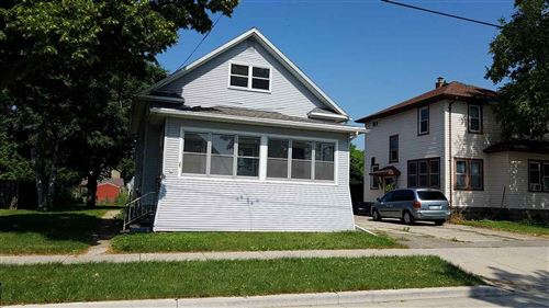 Photo of 17 LAKE Street, OSHKOSH, WI 54901 (MLS # 50229485)