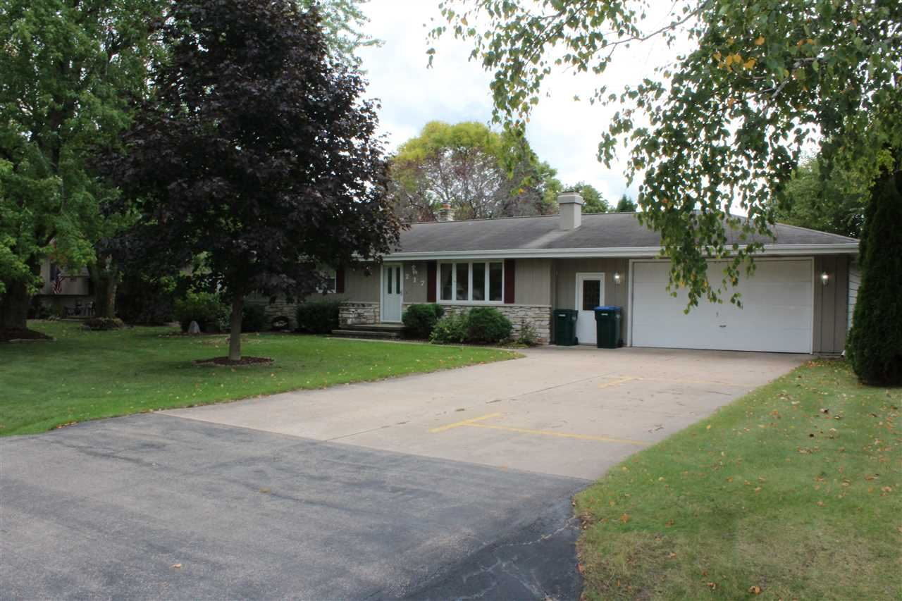 Photo for 217 W SUNSET Avenue, APPLETON, WI 54911 (MLS # 50230497)