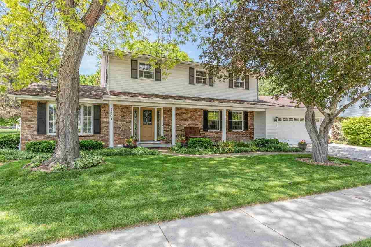 Photo for 1501 S MIDPARK Drive, APPLETON, WI 54915 (MLS # 50241536)