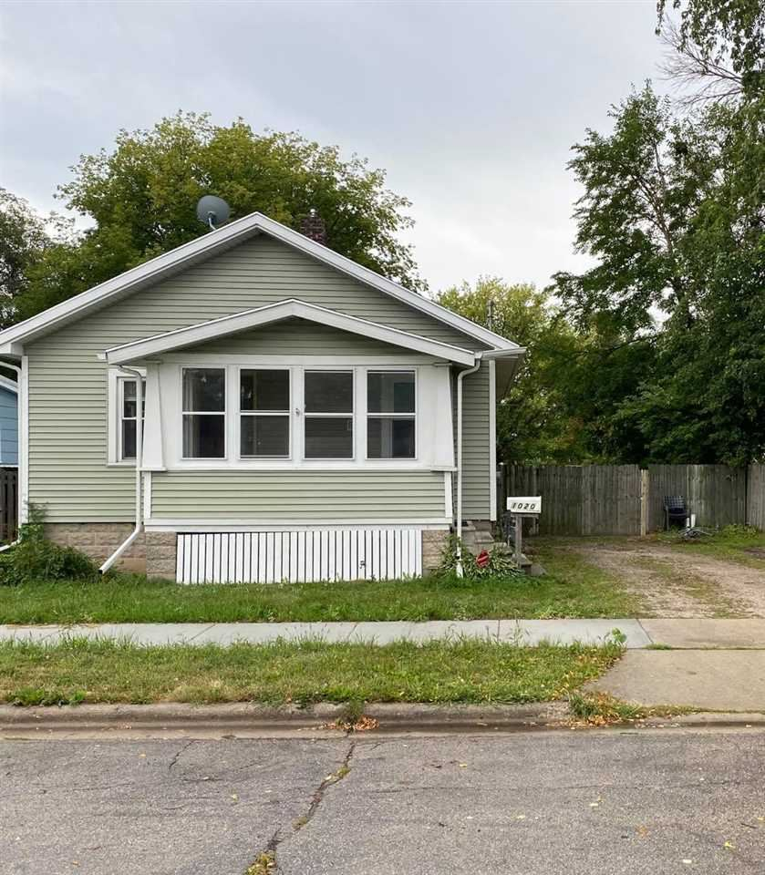 1020 EASTMAN Street, Green Bay, WI 54302 - MLS#: 50228542