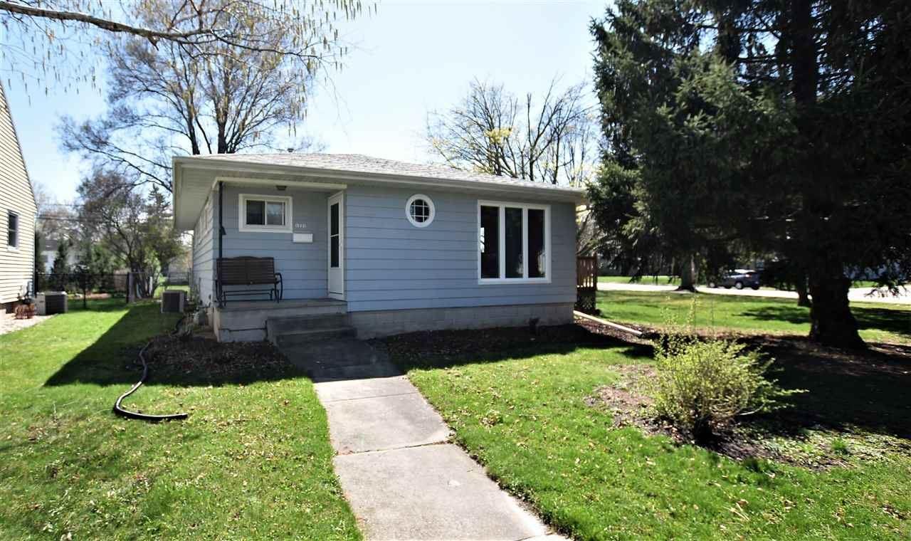 1221 GLEN Avenue, Oshkosh, WI 54902 - MLS#: 50238542