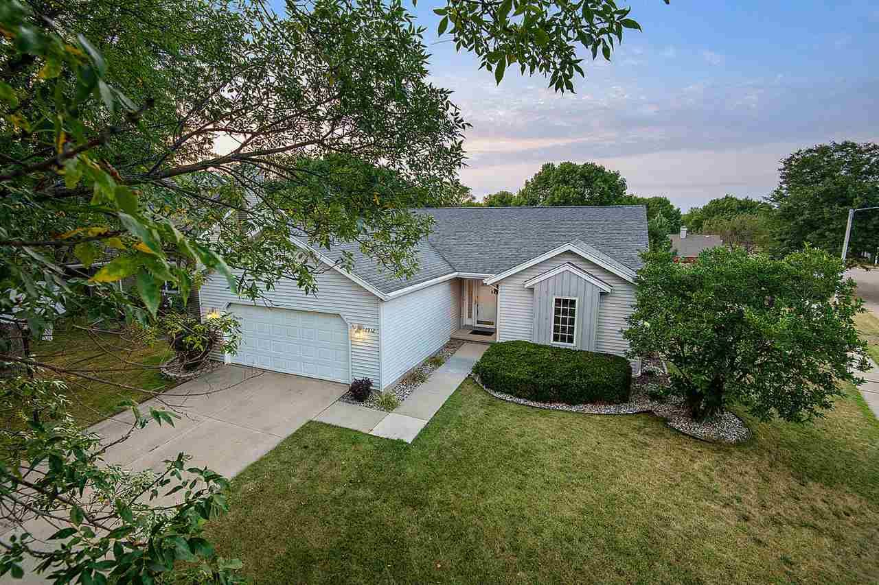 Photo for 2912 E ROCK A WAY Road, APPLETON, WI 54915 (MLS # 50227550)