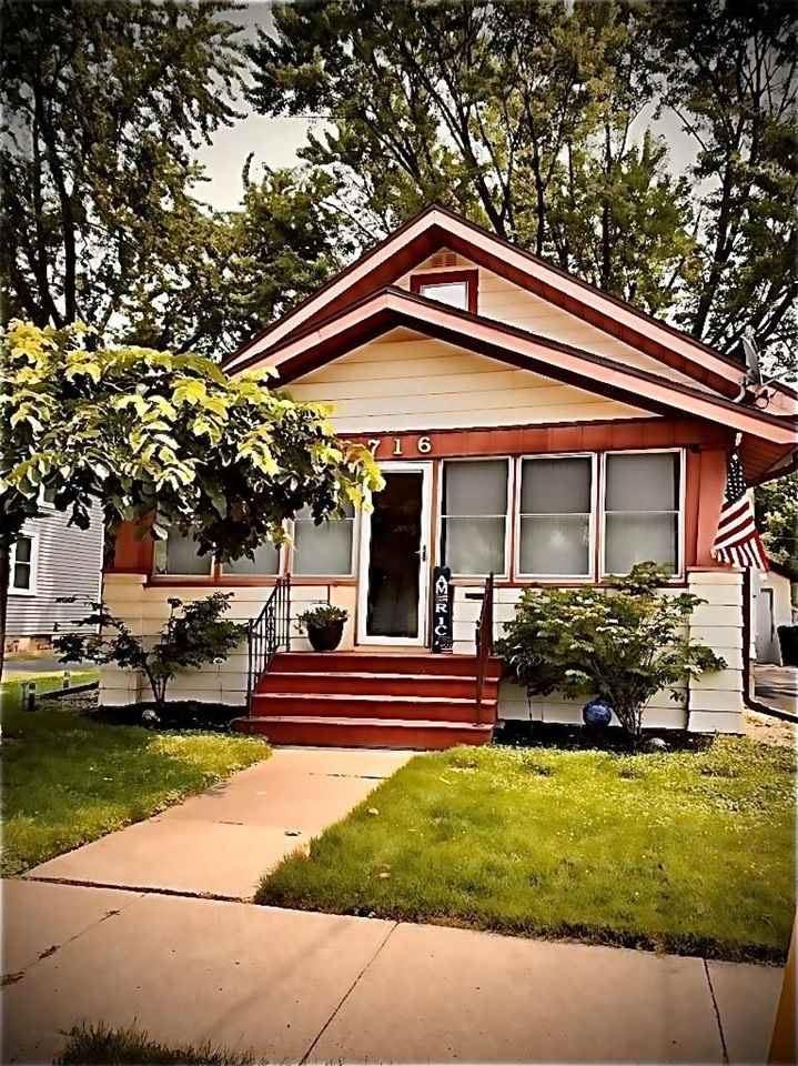 716 HIGGINS Avenue, Neenah, WI 54956 - MLS#: 50244551