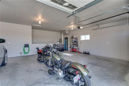 Tiny photo for 4702 N LIGHTNING Drive, APPLETON, WI 54913 (MLS # 50230556)