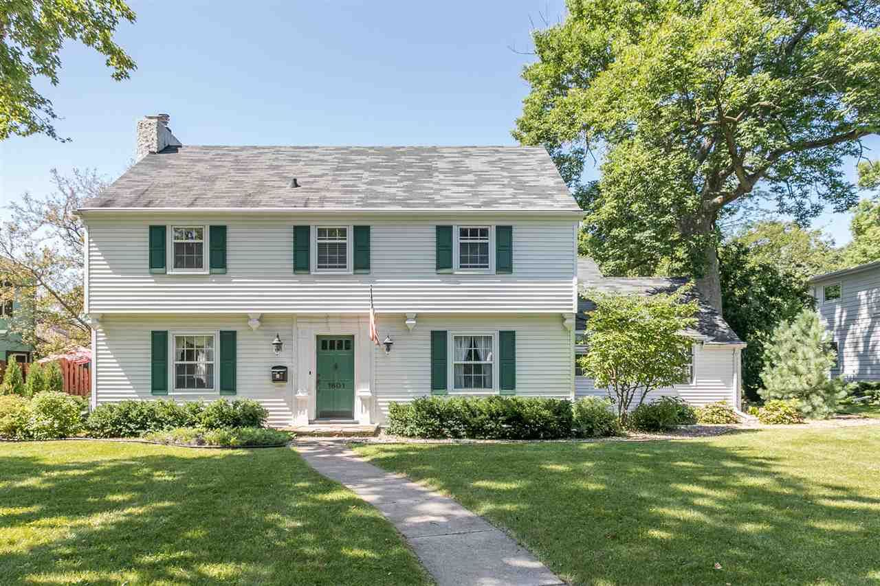 Photo for 1601 S OUTAGAMIE Street, APPLETON, WI 54914 (MLS # 50209563)