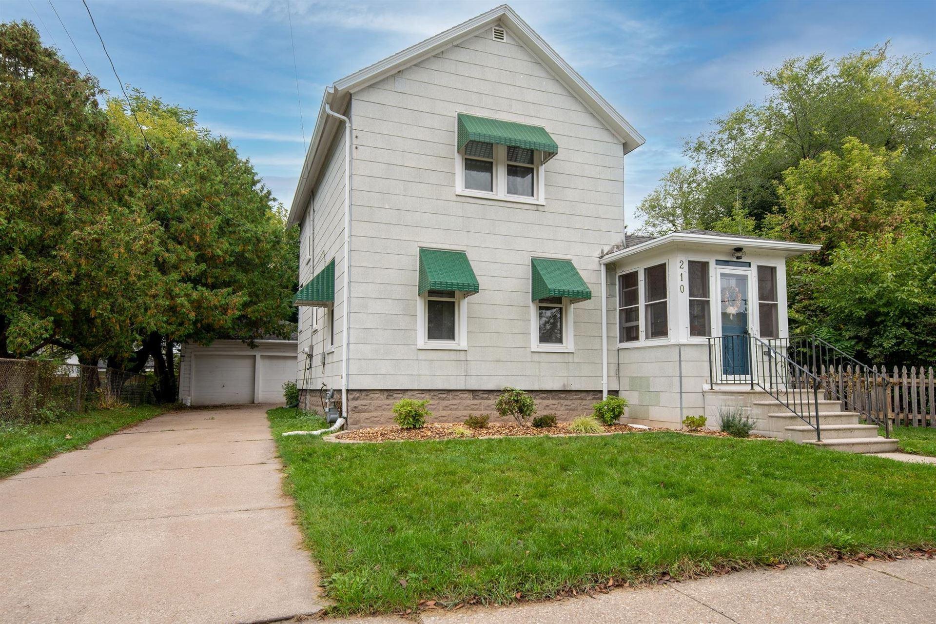 210 W 16TH Avenue, Oshkosh, WI 54902 - MLS#: 50249570