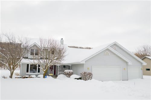 Photo of W4857 SPRING HILL Drive, SHERWOOD, WI 54169 (MLS # 50217575)