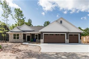 Photo of 627 RUYS WOODS Court, COMBINED LOCKS, WI 54113 (MLS # 50198576)
