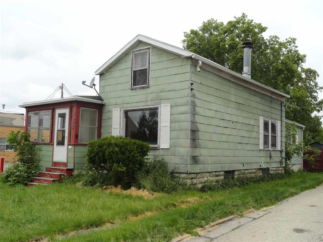 33 E MERRILL Avenue, Fond du Lac, WI 54935 - MLS#: 50241581