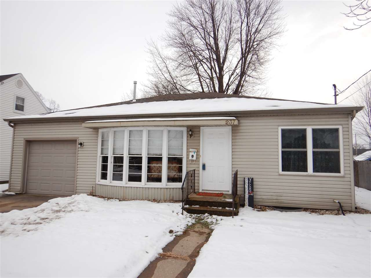 237 SUNSET Drive, Menasha, WI 54952 - MLS#: 50234611