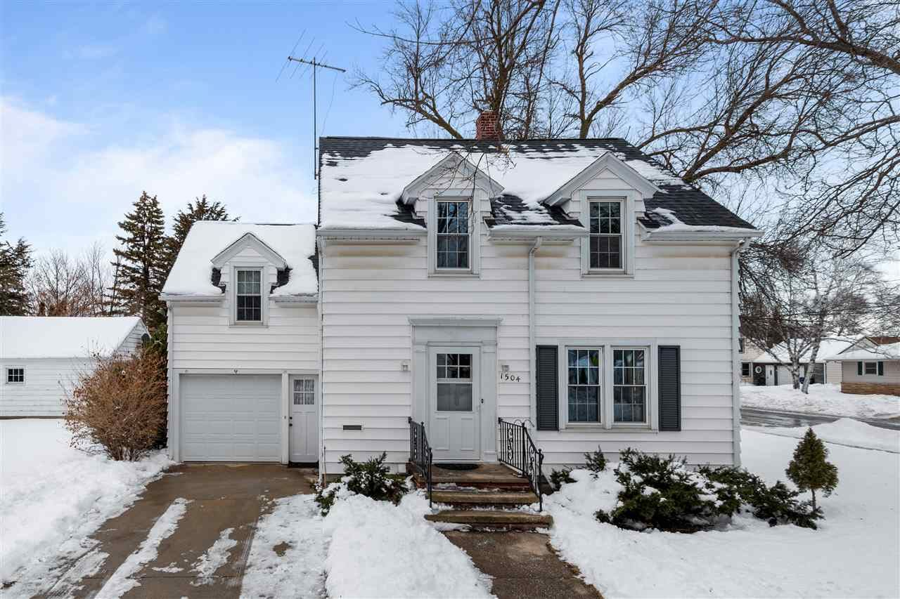 Photo for 1504 W COMMERCIAL Street, APPLETON, WI 54914 (MLS # 50216615)