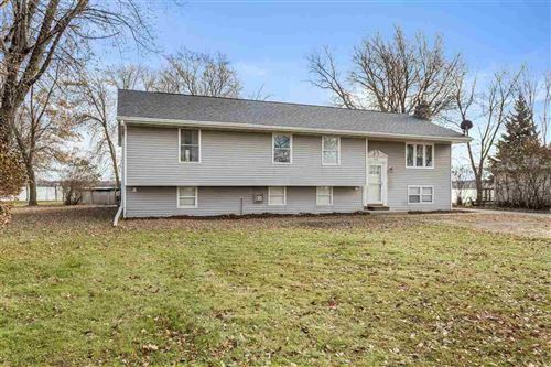 Photo of 1749 BUTTE DES MORTS BEACH Road, NEENAH, WI 54956 (MLS # 50214617)