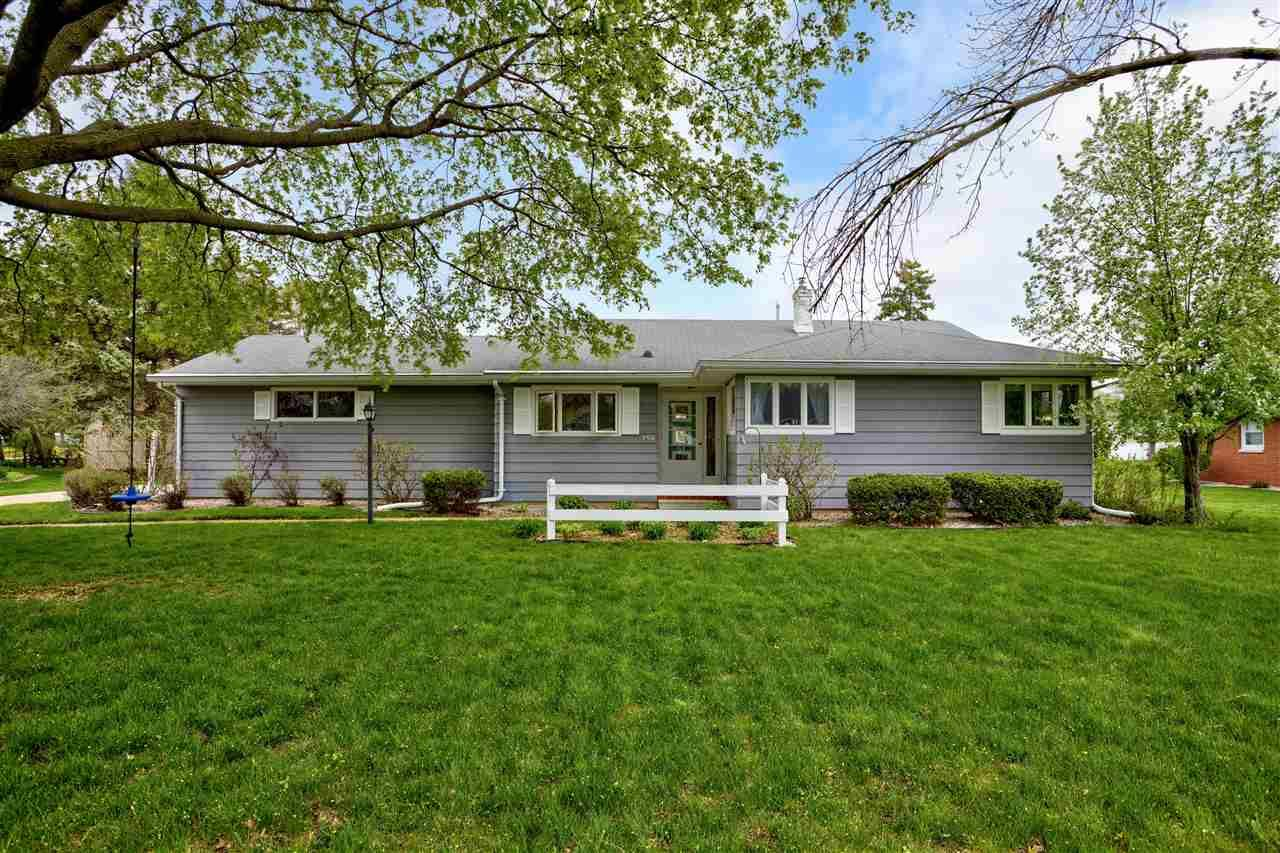 350 W SUNSET Avenue, Appleton, WI 54911 - MLS#: 50239625