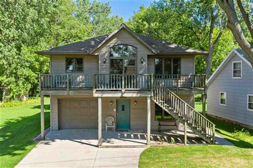 Photo of 1614 BRIGHTON BEACH Road, MENASHA, WI 54952 (MLS # 50226635)