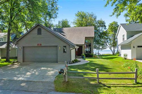 Photo of 1609 BRIGHTON BEACH Road, MENASHA, WI 54952 (MLS # 50226636)
